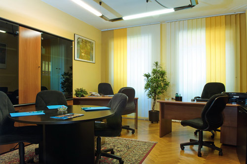 World Service - Serviced offices - Office with 2 workstations and meeting angle