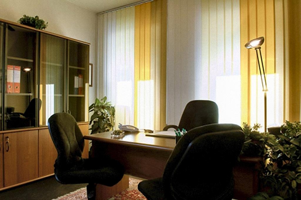 Uffici temporanei a milano vicino stazione centrale for Uffici a milano